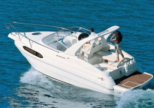 Motorboat Rio 7.90 Day Cruiser for hire