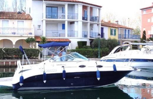 SEA RAY 255 SEA RAY 255 DEC SUNDANCER in Grimaud peer-to-peer