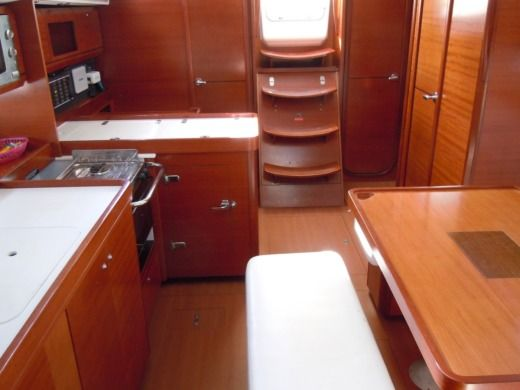 Dufour 405 in Salerno for hire