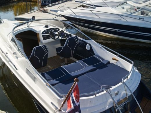 Motorboat Polish Dynamic Scand 7600 peer-to-peer