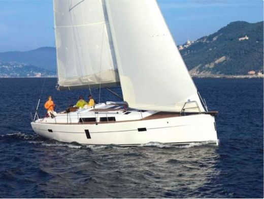 Charter Sailboat Hanse 445 Split