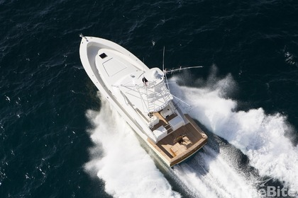 Hire Motorboat Alikai 44 Jensen Beach