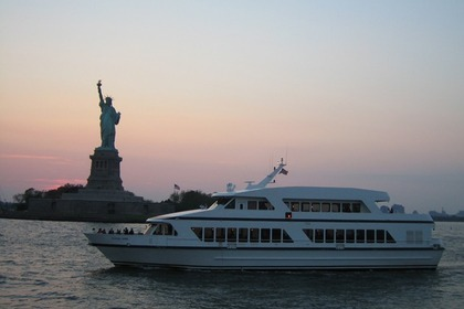 Hire Motor yacht Cloud Nine Yacht New York