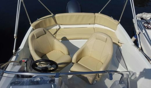 Beneteau Flyer 550 Sundeck in Antibes peer-to-peer