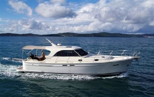 Motorboat Adriana 44 for hire