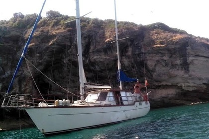Hire Sailboat Nauticat 38 Saint-Florent