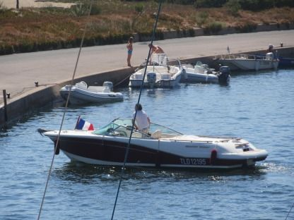Charter Motorboat Jeanneau Runabout Cavalaire-sur-Mer
