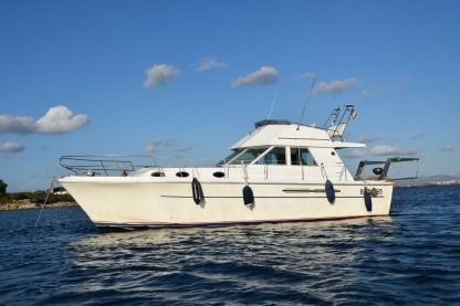 Rental Motorboat Princess 37 Villeneuve-Loubet