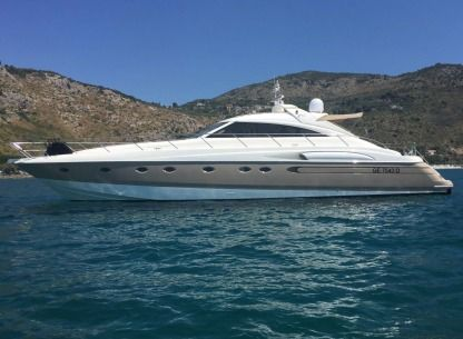 Charter Motorboat Princess V 65 Terracina