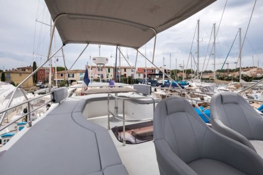 Beneteau Gran Turismo Gt 49 Fly in Saint-Tropez for hire
