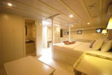 Sailboat Platin Yachting Lux