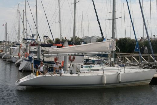 Sailboat Bénéteau First Class 12 for hire
