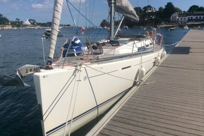 Hire Sailboat DUFOUR 40E Performance Larmor-Baden