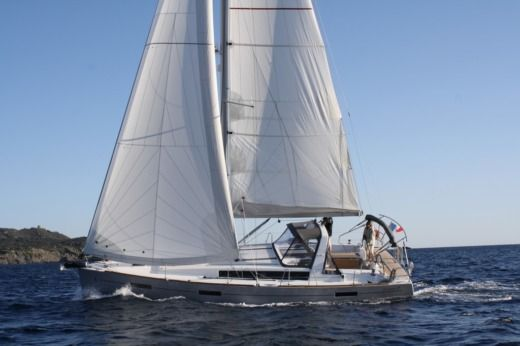 Beneteau Oceanis 41 in Toulon peer-to-peer