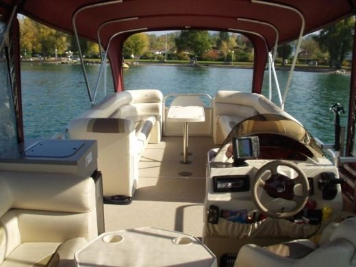 Motorboat Bateau Terrasse SUPRA28 for hire