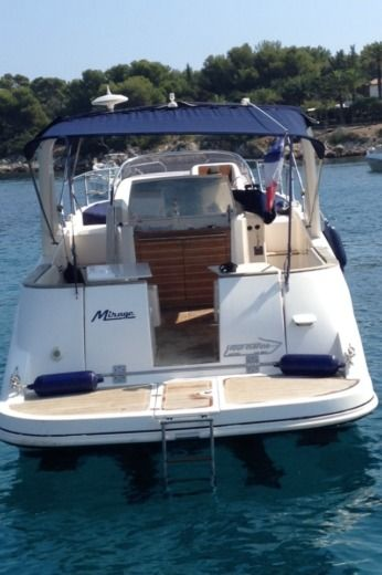 Motorboat Mano Marine EFB for hire