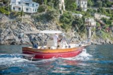 Charter motorboat in Minori
