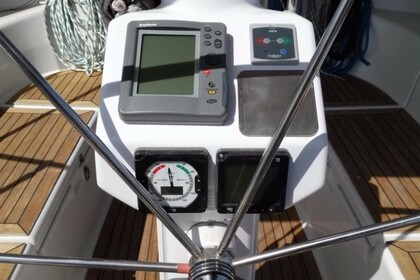 Hire Sailboat HANSE 37 Laurium
