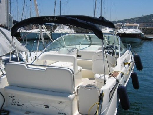 SEA RAY 255 SUNDANCER a Cogolin da noleggiare