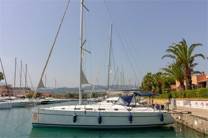Rental Sailboat BENETEAU CYCLADES 43.3 Furnari