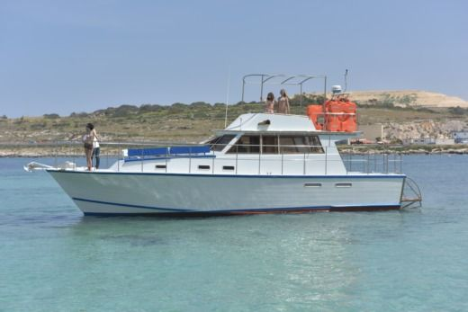 Motor Boat 12.75m in Malte peer-to-peer