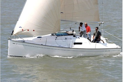 Hire Sailboat JEANNEAU SUN 2500 Yerseke