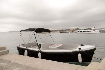 Rental Motorboat Corsiva 475 New Age San Roque