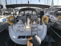 Beneteau Oceanis 423 in Lavrion for rental