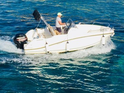 Rental Motorboat Quicksilver 555 Open Cassis