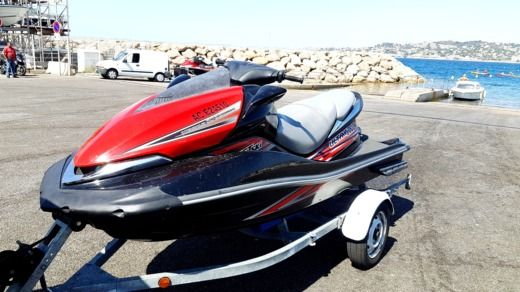 Kawasaki Ultra 260cv in Marseille for hire