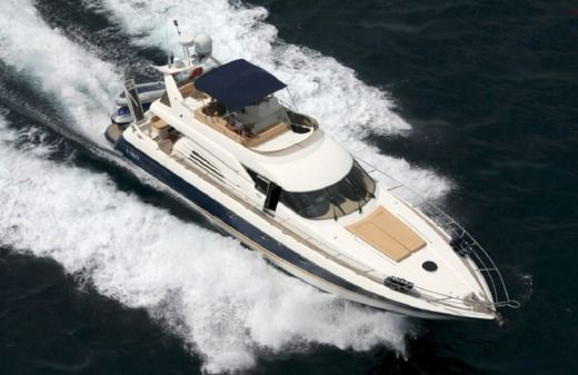 Motorboat SUNSEEKER MANHATHAN for hire