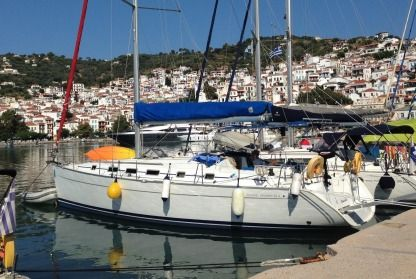 Charter Sailboat Beneteau Cyclades 43.4 Volos