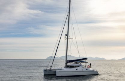 Location Catamaran Fountaine Pajot Athena 38 Vigo