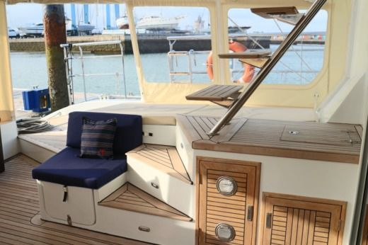 Catamarano Sunreef 62 tra privati
