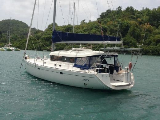 Sailboat Dufour Atoll 50 for hire