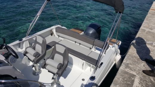 Jeanneau Cap Camarat 6.5 Wa in Dubrovnik for hire