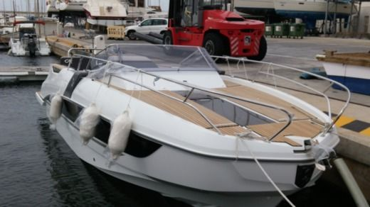 Motorboat Beneteau Flyer 8.8 Sundeck for hire