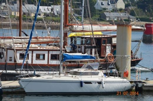 Sailboat Jeanneau Espace 990 for hire