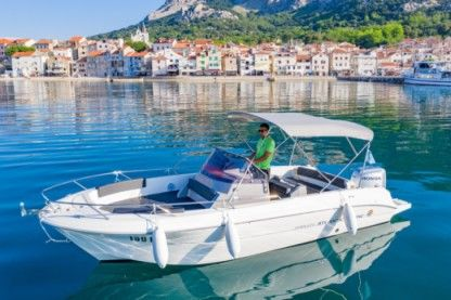 Charter Motorboat Atlantic Marine 670 Open Baška