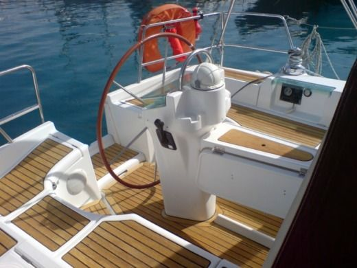 Beneteau 393 in Split peer-to-peer