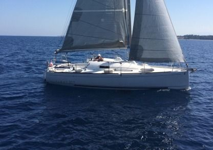 Charter Sailboat Beneteau First 27.7 Cherbourg-Octeville