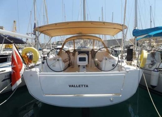 Sailboat Dufour 410 Grand Large peer-to-peer