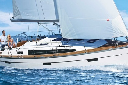 Charter Sailboat BAVARIA 37 CRUISER Sukošan