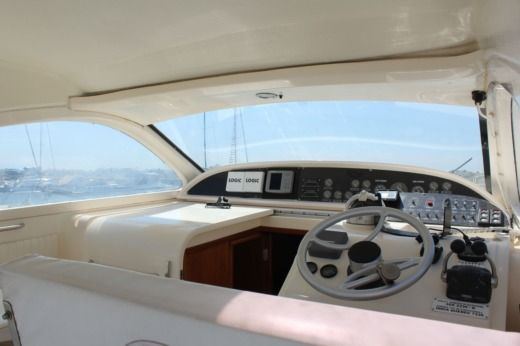 Motorboat Lomac Airone 40 for hire
