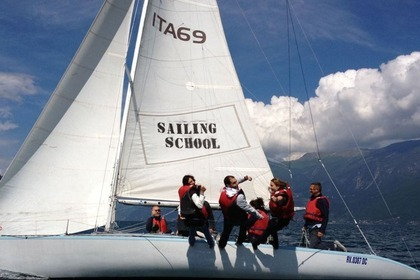 Hire Sailboat ASSO 99 Castelletto