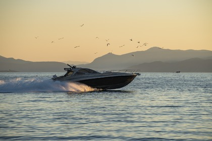 Charter Motorboat D-Tec 57ft - Moonwalk Spetses
