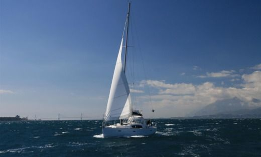 Beneteau Oceanis 40 in Alimos for hire