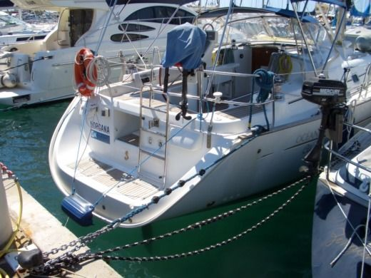Sailboat Benetau Oceanis 423 for hire