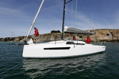 Charter Sailboat Ofcet 32 Sc Marseille