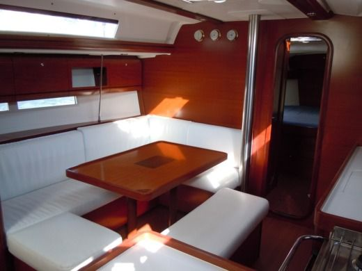 Sailboat Dufour 405